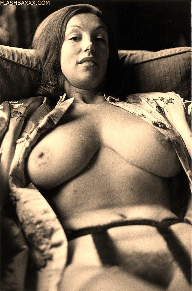 Видео эротика ретро большая грудь