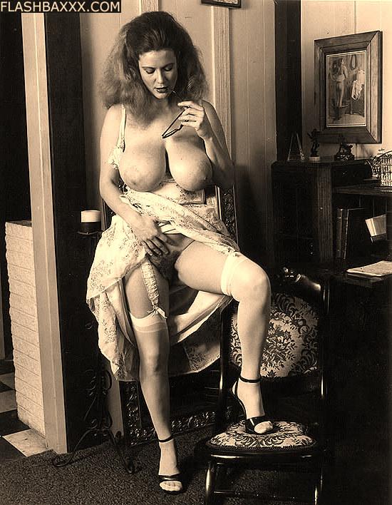 Фото ретро голые в чулках